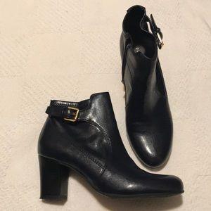 Women's Boots! NWOT!